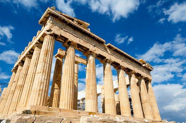 Prázdné hotely v Řecku