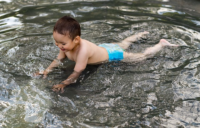 dítě na mělčině.jpg